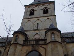 聖クインティヌス聖堂  ハッセルトのランドマーク的存在で、その歴史は古く、8世紀頃にはすでにこの場所には教会があったそうです。