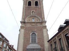 西へ延びるカペル通りの先にあったのが聖母教会