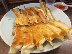 つい最近食べたばかりの様な・・・。  「みんみん」  餃子・水餃子 300円×6 1800円
