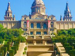 『カタルーニャ美術館』 バルセロナ最大級の美術館で約25満点が展示 元々は国立宮殿として建築 時間が過ぎていた為、中には入れず… モンジュイックの丘に位置するのでバルセロナが一望できます。
