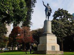 続いてシドニーへ移動します。シドニーはキャプテンクック(ジェームズ・クック)が1770年に豪州東海岸に初めて上陸してイギリス領を宣言した地で、オーストラリアで最も古い町です。これはシドニー・ハイドパークのキャプテンクック像。