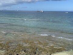 今回お世話になる「沖縄アイランドクルー」さんのツアーに参加します。 集合場所から見える景色。  初の離島!オラワクワクすっぞ!状態。