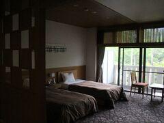 今回の宿につきました。 お部屋は広くいい感じです。
