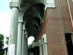 まずは、明治史料館へ行きました。沼津駅(南口8番乗り場)からバスで行き、江原公園下車徒歩すぐです。