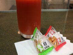 ラウンジ華のトマトジュースとグアバジュース濃厚で美味し~