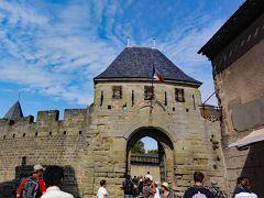 コンタル城への入口門。
