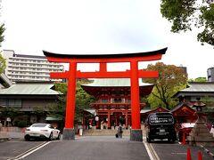 三宮駅から更に北に上がって、生田神社を目印にして、