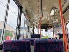 利尻空港からは、路線バスで沓形フェリーターミナルへ