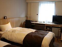 こちらのホテルは、宿泊当日の札幌駅周辺で最安値。 その割には結構良かった。  エレベーター前の部屋にも関わらず静かだったし、 やはり札幌は激戦区なのでレベルが高いのではないかと思う。