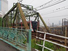 京浜急行本線 この電車は都営のものですが、都営にしては格好良いと思いました。