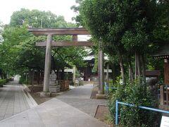 荏原神社 雨後の目黒川がちょっと臭いました。
