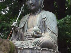 品川寺(ほんせんじ)の地蔵菩薩坐像 江戸の各街道沿いに鎮座している江戸六地蔵の1つです。
