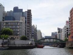 よく家族でお散歩に来ていた、隅田川テラスと柳橋。  我が子もだいぶ慣れてきて、歓声を上げながらデッキを歩き回っていました。いい気分転換になったようで、乗せてよかったです。