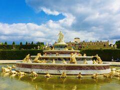 『ラトナの泉水』