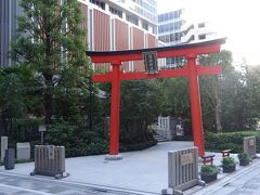 福徳神社(芽吹神社)(貞観年間(859~876)よりこの地に鎮座しており、徳川家康公も参詣しているそうです。)