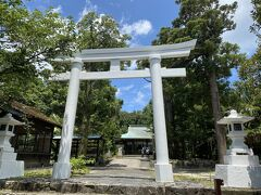 まずは初日に行く予定だった宮之浦の益救神社に向かいました。