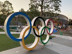 これは2019/8/4の写真。まだ工事中のオリンピックスタジアム この頃は翌年普通に開催されると思ってたなぁ。