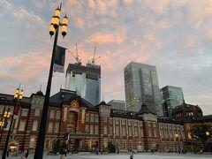 東京駅も久々に来ました。 東京駅近くにある、以前はしょっちゅう通っていた VIRONへ行き、久々に大好きなバゲットを購入!
