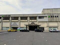 苫小牧駅に到着。
