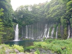 帰りに白糸の滝に立ち寄りました。