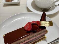 急に甘いものが食べたくなったので・・・ショコラ・フランボワーズ☆  ル・パン神戸北野 https://www.l-s.jp/lepan/access/itami/  ホテル ラ・スイート神戸ハーバーランドの直営店なんですねー。