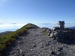 蓮華岳に登頂。北アルプスや遠く富士山、南アルプスまで一望できました。
