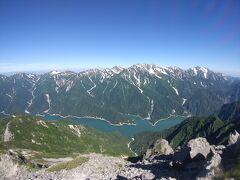 針ノ木岳の山頂からは、剱・立山と黒部湖の大絶景♪