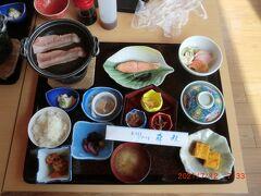 「森秋旅館」:朝食、年配者には多すぎる、少し残してしまいました