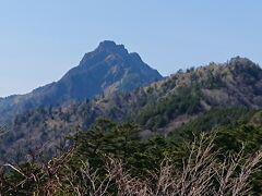 石鎚山。 ごつごつしてますね。
