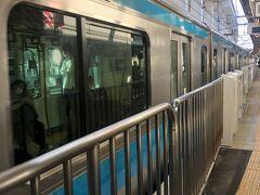 7時過ぎの京浜東北線で移動。