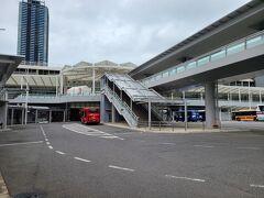 空港リムジンバスで50分程で、広島駅へ着きました。 北口に到着、ホテルは八丁堀の為、南口へ移動し、路面電車で向かいました。