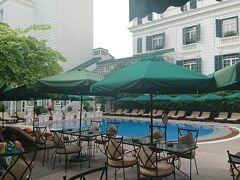 プールサイドにあるレストランでお食事もでき、1日プールでのんびりできました。 明日は、飛行機でダナンに移動です~  ベトナム【後編】ダナンとホイアンの旅もお楽しみに~!