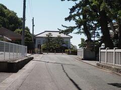 9:10に、海辺の文学記念館前で待ち合わせ。 ボランティアさんによる竹島ガイドツアーをホテル経由で予約していました。