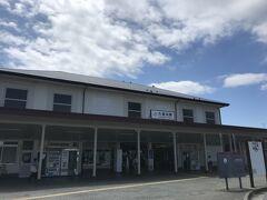 こちらはJR横須賀線の久里浜駅