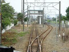 相武台下駅。この駅でもすれ違い。