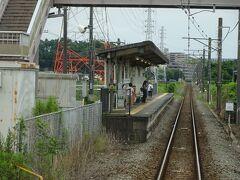 入谷駅。田んぼの中にあるノンビリした駅。