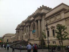 セントラルパークを散歩して、開館時間に合わせてメトロポリタン美術館に入ります。