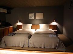 部屋もオシャレ。ホテル名は「ホテルサイクル」で、実際、サイクリストに優しいホテルですが、アウトドア感は少なく、シックで都会的な雰囲気に仕上がっていました♪  ■マメ情報■ この部屋はデラックスツイン。朝食付き、平日宿泊で2万円程度/部屋でした