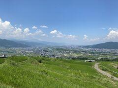 棚田からの善光寺平の風景。