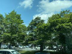 軽井沢駅まであと少しで、軽井沢アウトレット渋滞に巻き込まれて