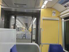 羽田から東京モノレールにのって、浜松町へ 東京モノレール、結構空いてます