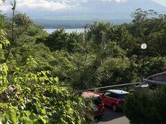 秋桜さん到着!  今日(7/24)は男子の自転車ロードレース開催日で、山中湖周辺が交通規制になってることをすっかり失念してたけど、規制解除後の到着になって結果オーライやった(^_^;)  お楽しみのディナーまで、まったりしてます(^_^)