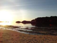 星砂の浜 この時間になると宿泊客しかいないので静かです 西表の本当の良さは泊まってみなければ分からない  西表ひとり旅2日目の記録 終