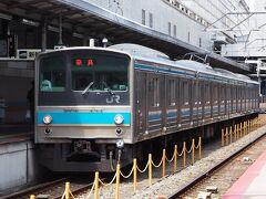 奈良線のホームに、205系電車が停まっていて、思わず駆け寄りました。関東では絶滅寸前の同形式ですが、関西ではまだまだ現役ですね。。