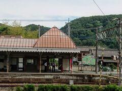 秩父鉄道「親鼻駅」に到着。 ここから登山開始です!    ◆親鼻駅発08:42