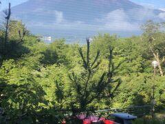 最終日の朝もよく晴れて、お部屋からも富士山がきれいに見えました\(^-^)/