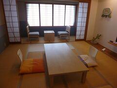本日は道後温泉本館のすぐ脇にある ホテル茶玻瑠に宿泊します。