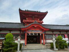 「伊佐爾波神社(いさにわじんじゃ)」。国の重要文化財に指定されているそうです。間近で見ると圧倒されること間違いなしです。これまたパワースポットです。