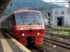 普通列車もありますが、初めて『特急みどり』に乗ってみました。 (1駅だけなので、約10分の乗車でしたが。。)