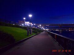 では、春海橋公園からお台場やレインボーブリッジが見える西方面へまずはスタート。